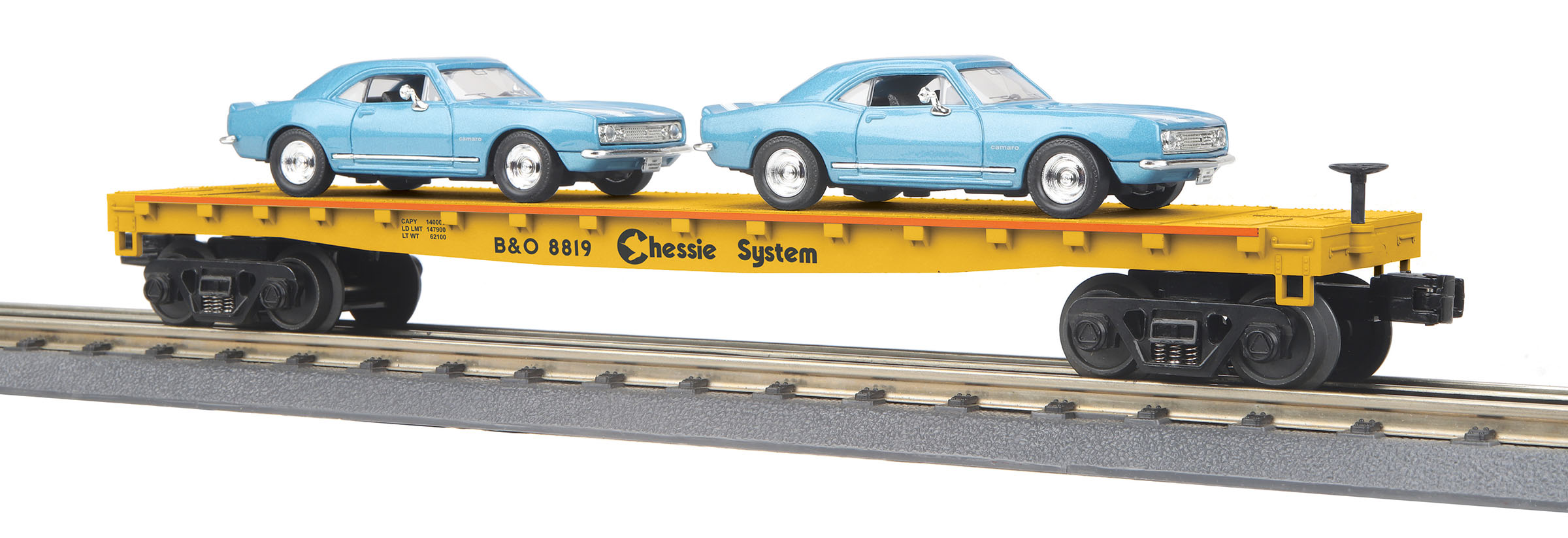 MTH 30-76792 Flatcar with 2 '67 Chevy Camaros 3 Rail RailKing Chessie System 8819